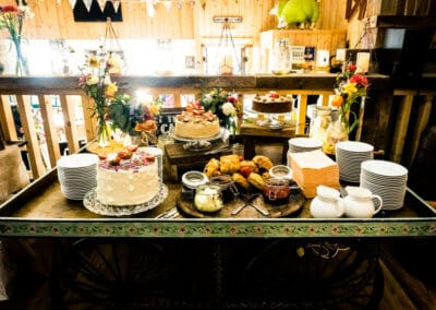 wedding-feast-fizz-wellbeing-farm00125