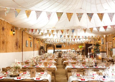 wedding-feast-fizz-wellbeing-farm00136